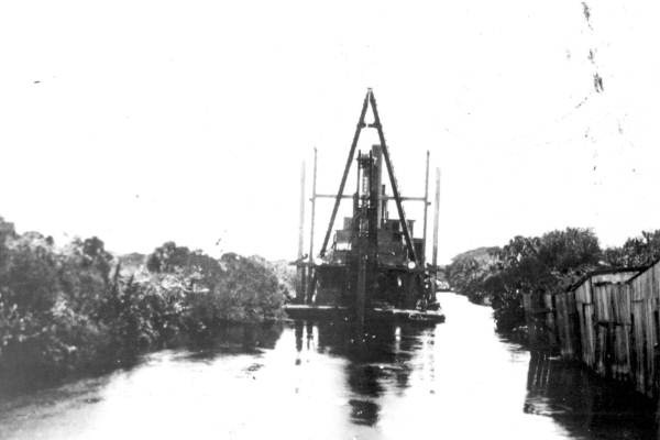 Dipper dredge in the cut near Delray Beach