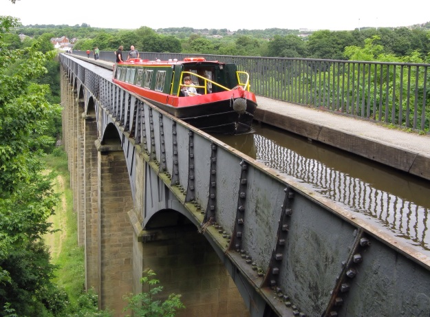 Designed by acclaimed briopdge designer Thomas Telford, this metal transport aqueduct is 304 meters long and was completed in 1806.