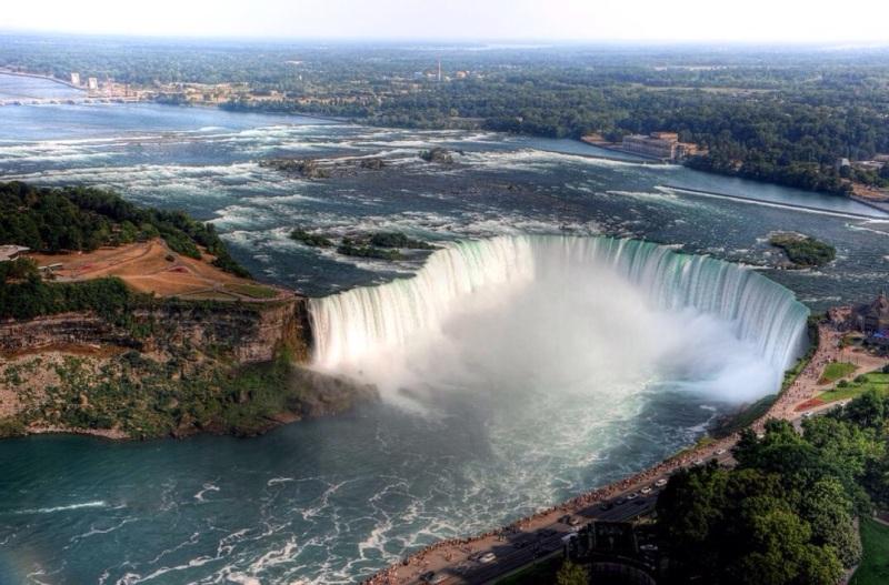 Niagara Falls: America's outdoor wedding venue